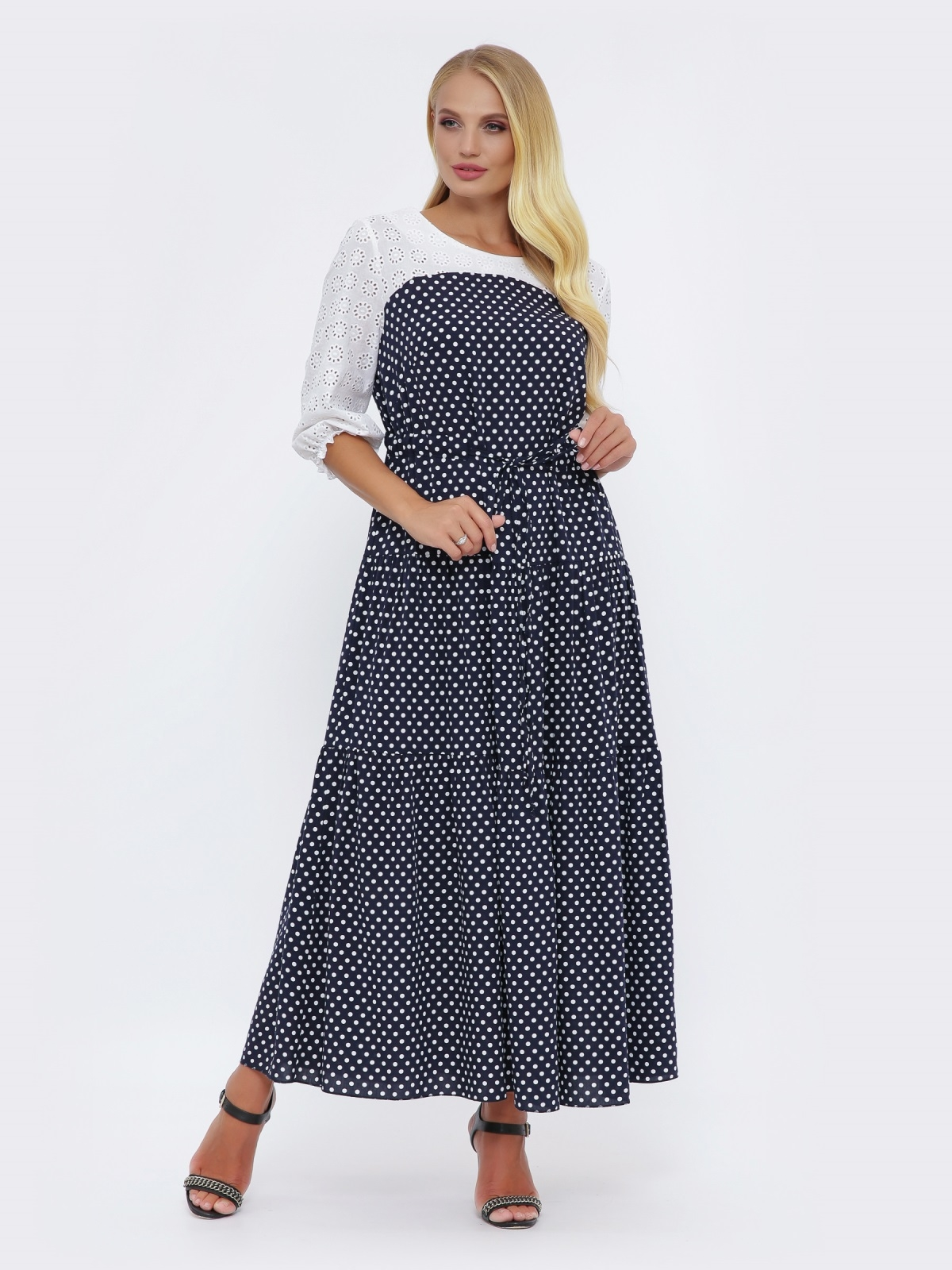 Длинное платье батал в горох с кокеткой из прошвы тёмно-синее 51032, фото 1