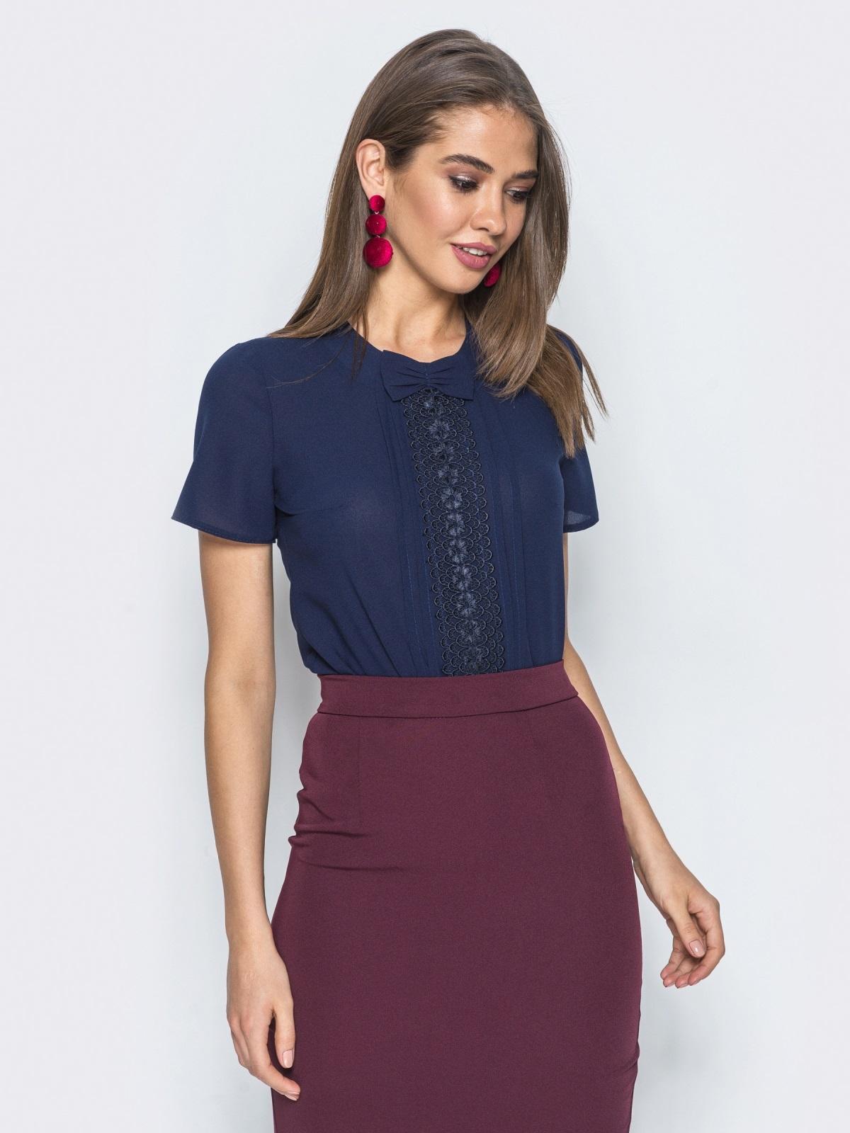 Блузка с кружевом на полочке и бантом тёмно-синяя 14178, фото 1
