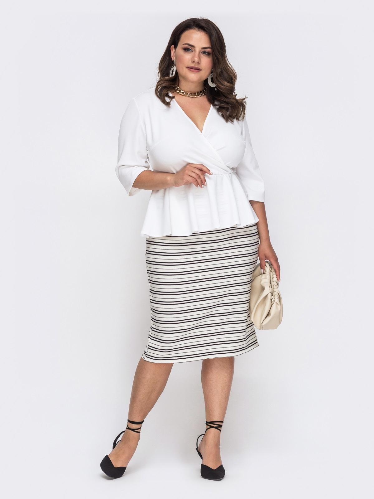 Белое платье батал с баской и юбкой в полоску 49864, фото 1