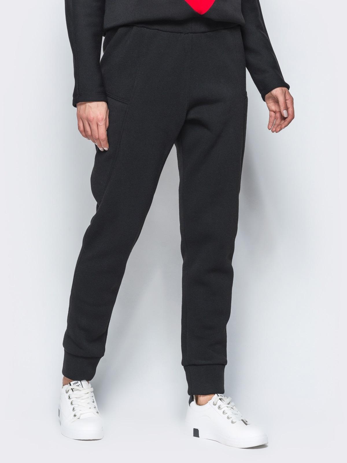 Спортивные штаны черного цвета на флисе 17371, фото 1