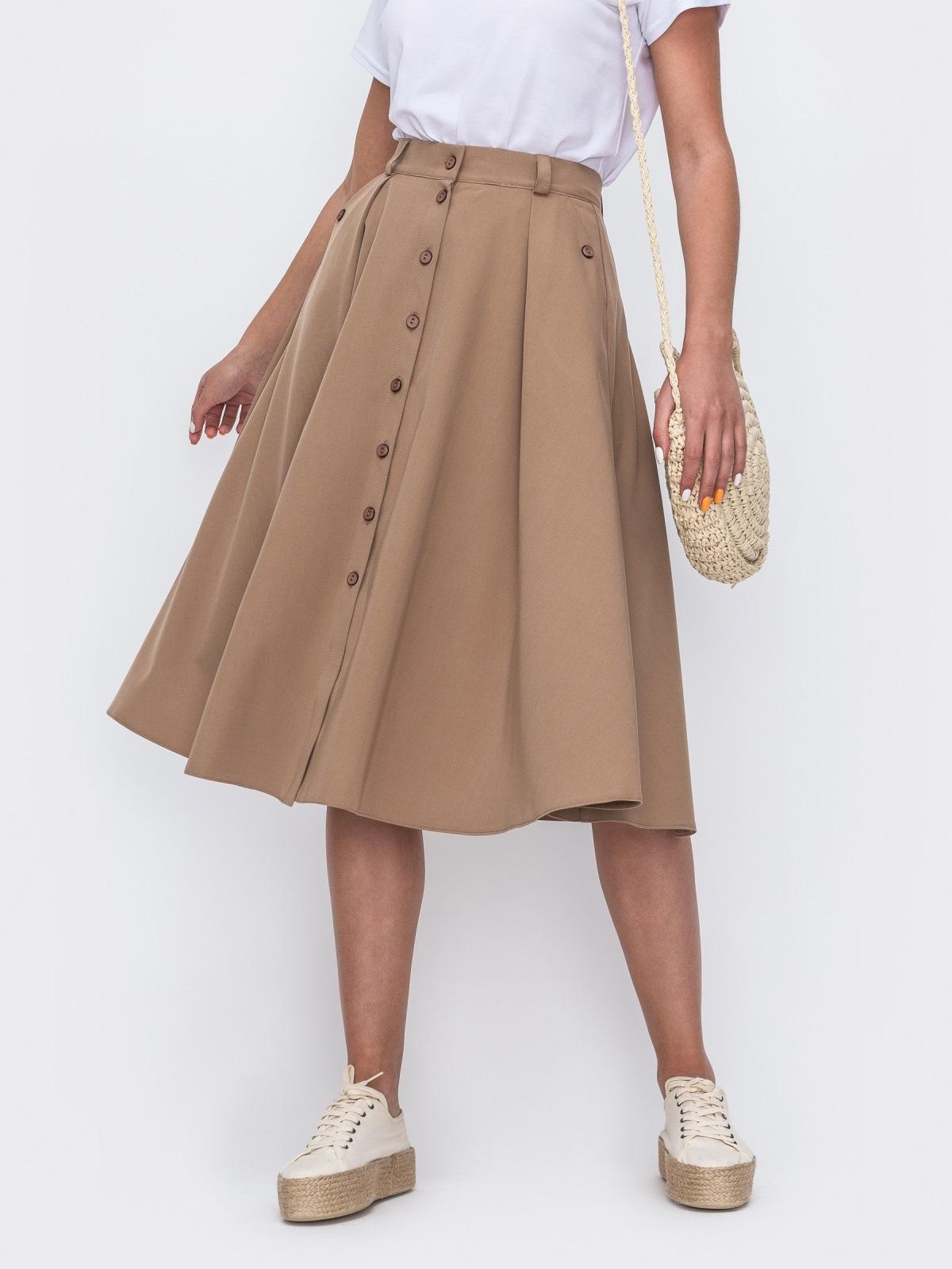 Расклешенная юбка бежевого цвета со шлевками 49447, фото 1