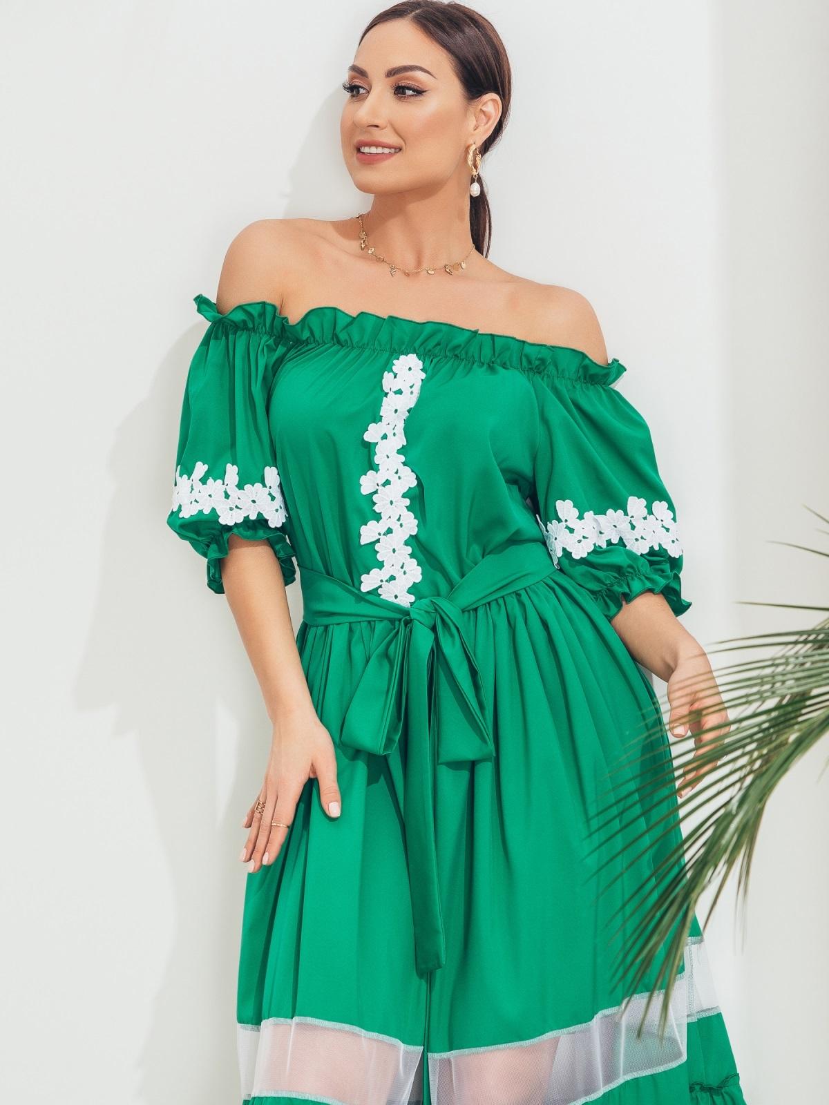 Длинное платье батал с открытыми плечами зеленое 46234, фото 1