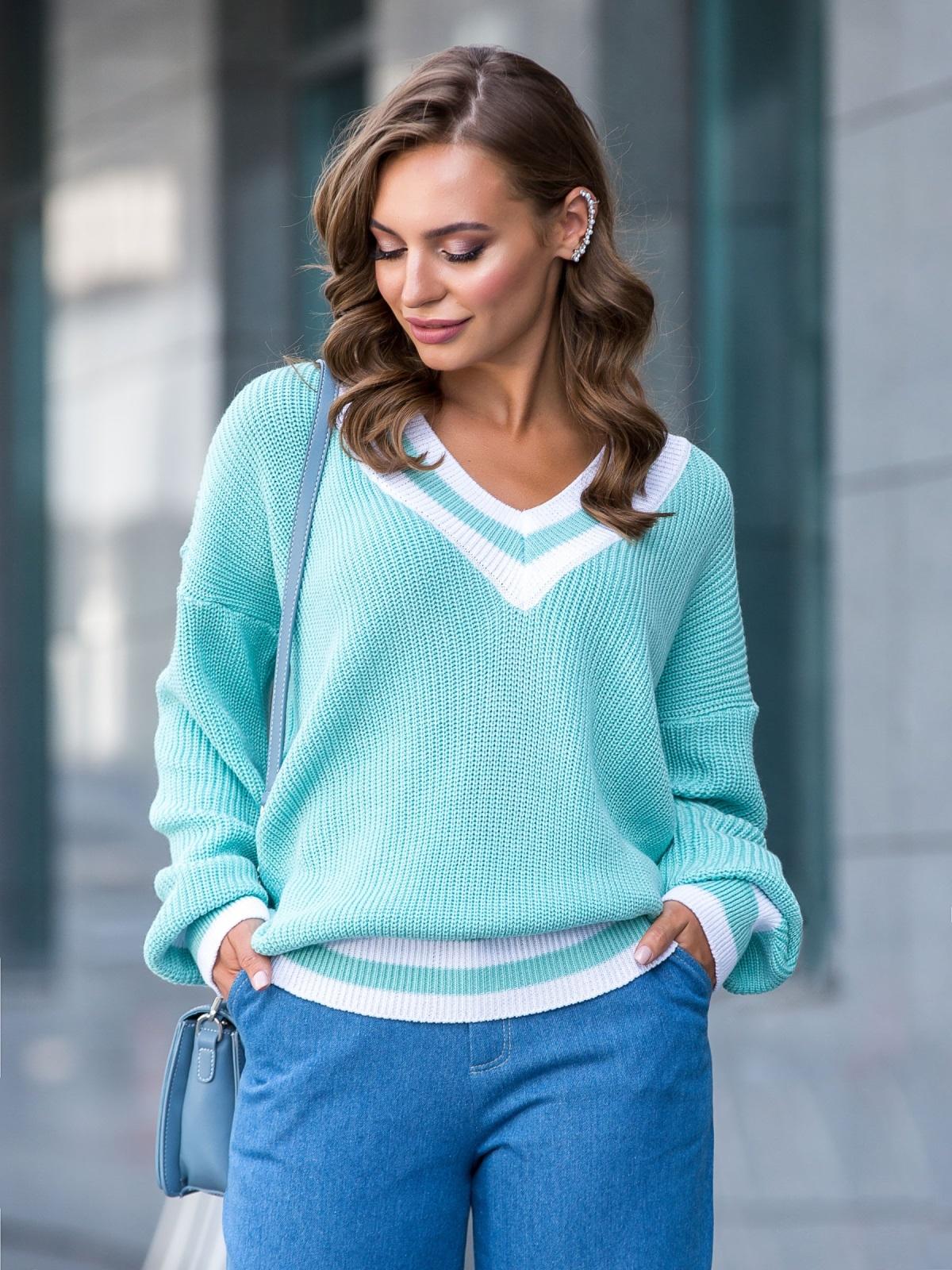 Бирюзовый свитер свободного кроя с контрастными вставками 41201, фото 1