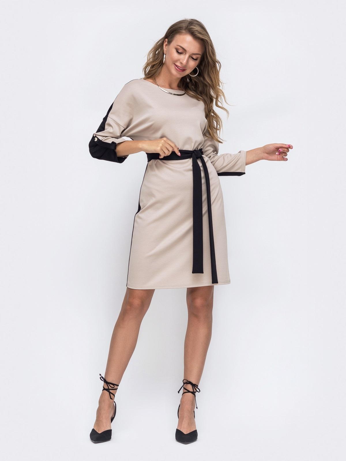 Бежевое платье со спущеной линией плечевого шва и поясом  50673, фото 1