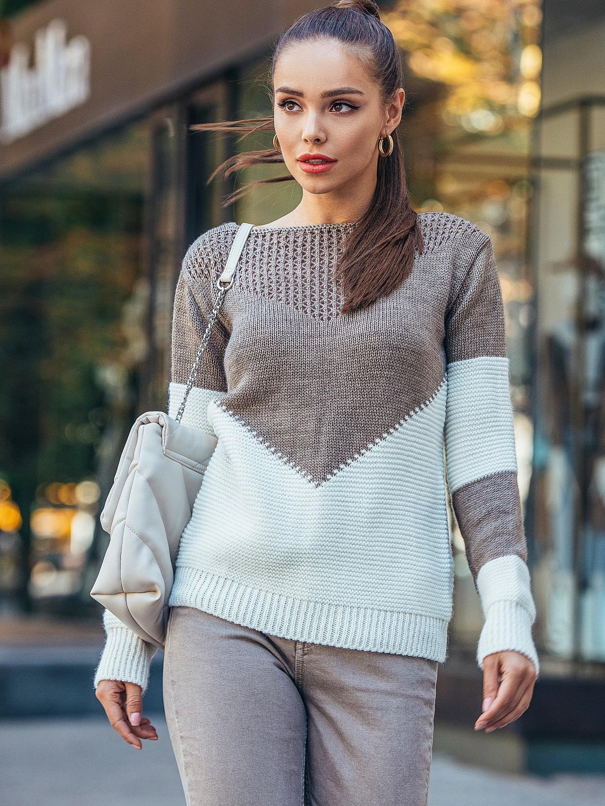 Коричневый вязаный свитер с перфорацией 50422, фото 1