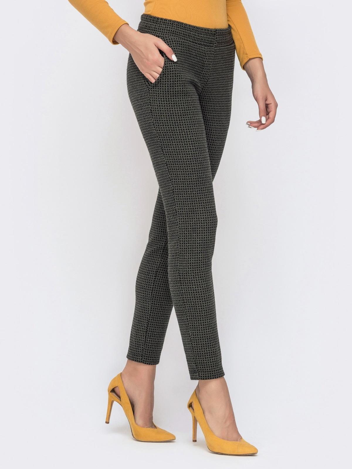 Укороченные брюки с принтом и резинкой по талии хаки 41525, фото 1