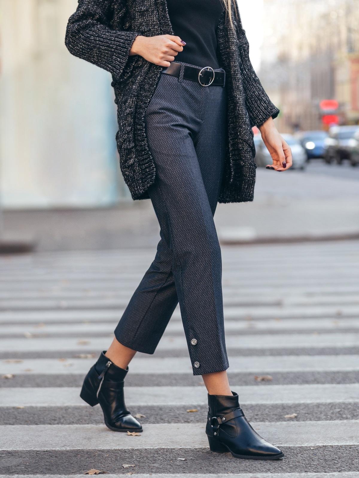 Укороченные брюки с декоративными пуговицами чёрные 51669, фото 1