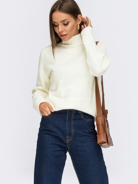 Молочный свитер с высоким воротником и полосами на рукавах 54961, фото 1
