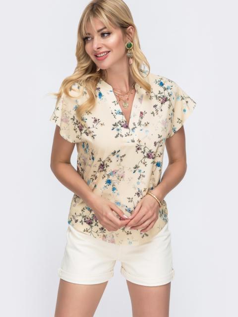 Бежевая блузка прямого кроя с принтом и V-вырезом 49097, фото 1