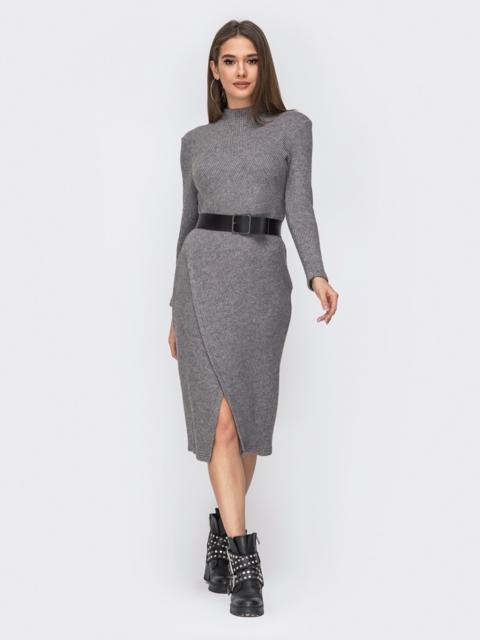 Трикотажное платье с разрезом спереди серое 44196, фото 1