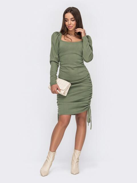 Зелёное платье мелкой вязки с кулисками по бокам 53027, фото 1