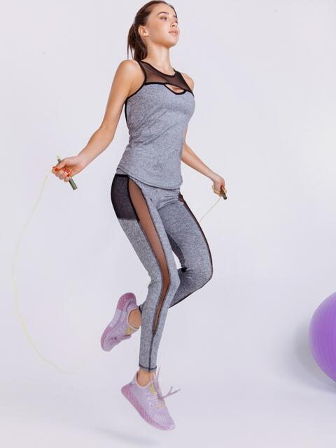 Комплект для фитнеса серого цвета из топа и лосин 44711, фото 1