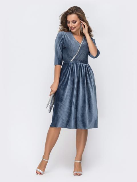 Платье из фактурного велюра со стразами на полочке голубое 42827, фото 1