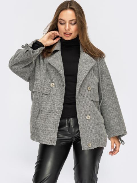 Серое пальто из жаккарда с лацканами и накладными карманами 55073, фото 1