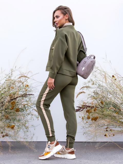 Комплект с брюками-джоггерами и жакетом хаки 40658, фото 1