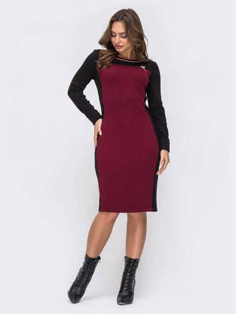 Платье с контрастной вставкой и съемной брошью бордовое 42731, фото 1