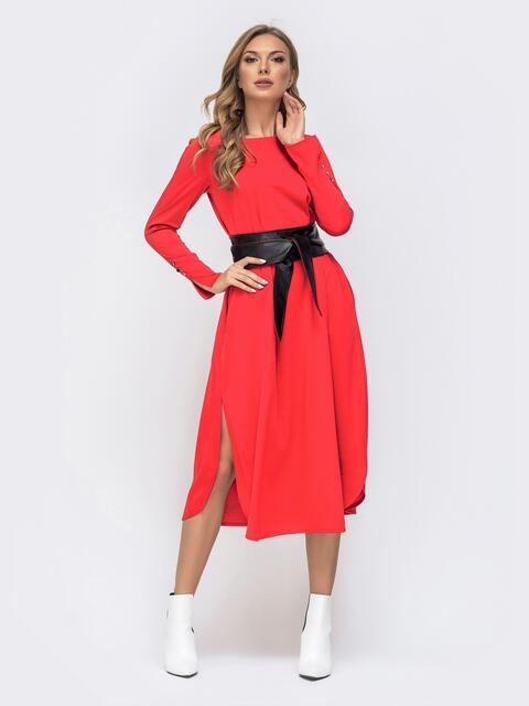 Платье А-силуэта с разрезами по бокам и поясом красное 41338, фото 1