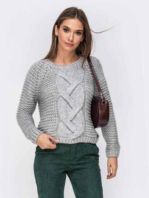 Укороченный свитер крупной вязки серого цвета 41848, фото 1
