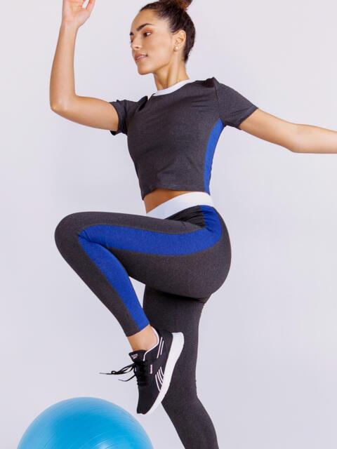 Комплект для фитнеса графитового цвета из и топа и лосин 44613, фото 1