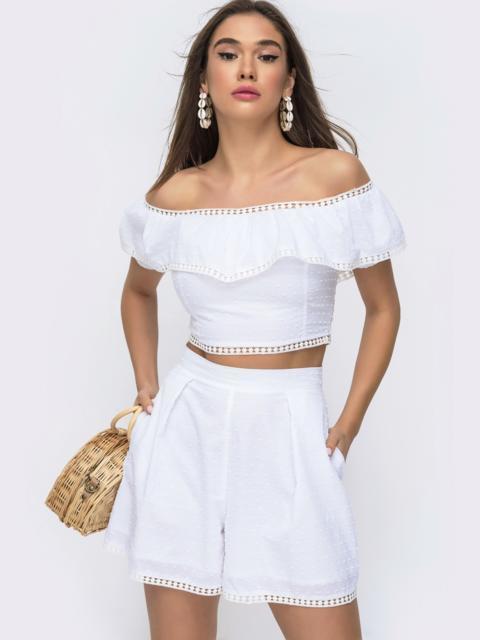 Летний комплект белого цвета из прошвы топ+шорты 48297, фото 1