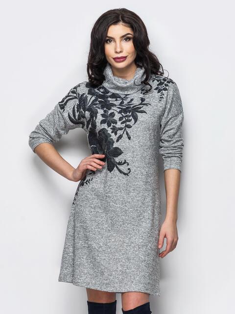 Трикотажное платье-гольф с цветочным принтом серое 13158, фото 1