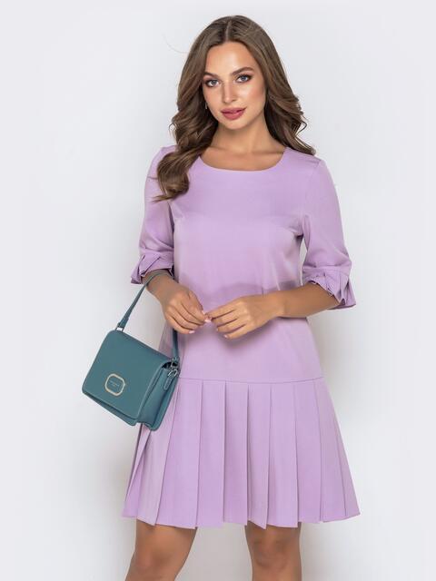 Приталенное платье с юбкой-плиссе сиреневое 40145, фото 1