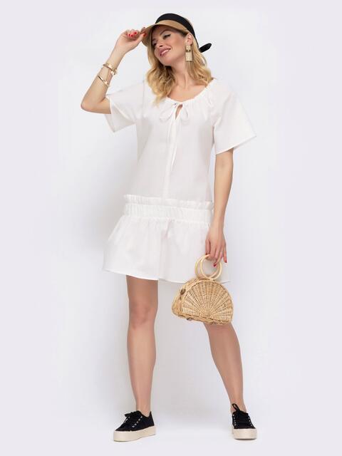 Льняное платье белого цвета с воланом по низу 48085, фото 1