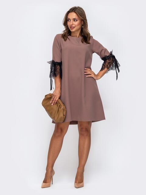 Платье-трапеция бежевого цвета с кружевом на рукавах 50237, фото 1