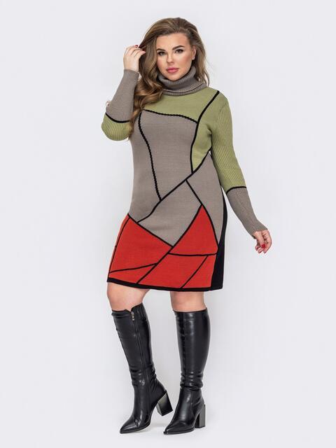 Бежевое вязаное платье батал с геометрическими узорами  52926, фото 1