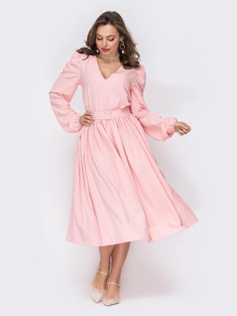 Пудровое платье расклешенного кроя из софта с поясом 53537, фото 1