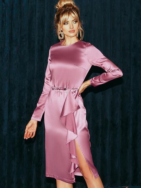 Приталенное платье из атласа с оборкой на юбке розовое 51958, фото 1