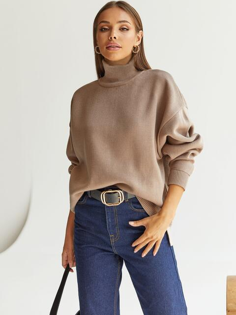 Бежевый свитер с высокой горловиной и удлиненной спинкой 54929, фото 1
