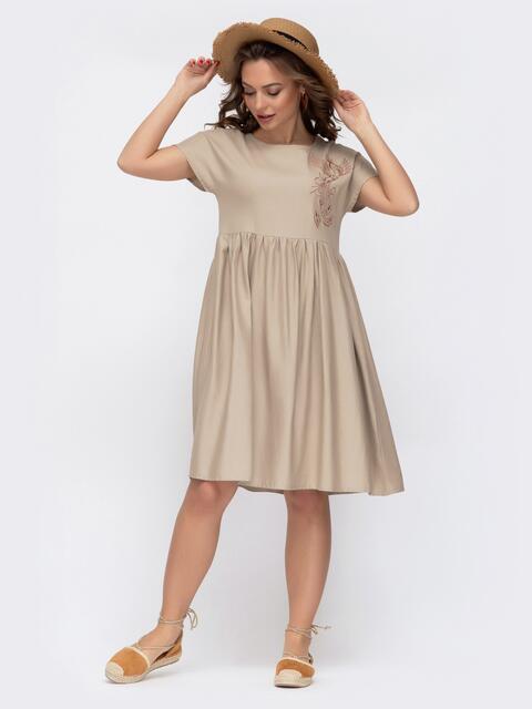 Платье из льна бежевого цвета с вышивкой 46734, фото 1