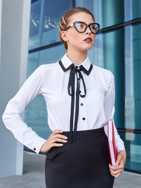 Белая блузка с контрастной окантовкой и тесьмой 39945, фото 1