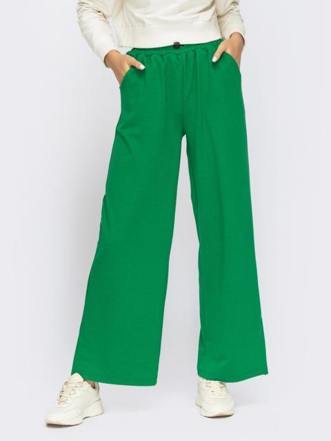 Зеленые брюки в спортивном стиле с разрезами по бокам 55091, фото 2