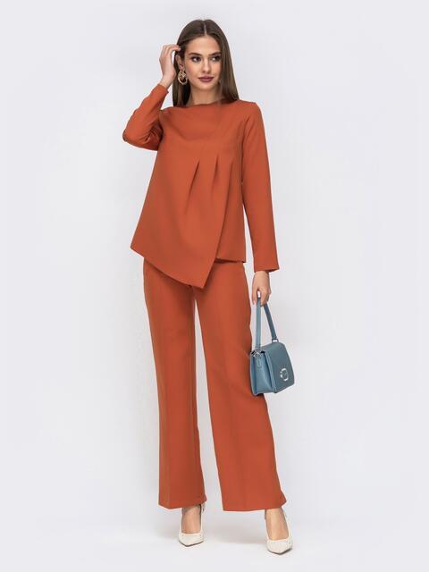 Брючный комплект коричневого цвета с асимметричной блузкой 42415, фото 1