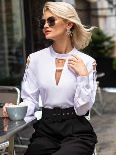 Блузка с фигурными вырезами на горловине и рукавах белая 49767, фото 1