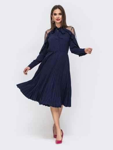 Тёмно-синее платье с воротником-аскот и юбкой-плиссе 42828, фото 1