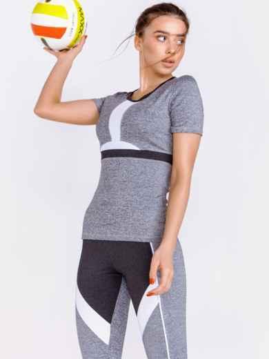 Серый комплект для фитнеса из лосин и футболки 44615, фото 1