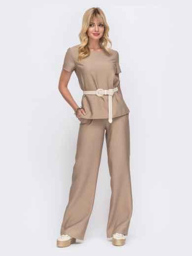 Комплект бежевого цвета из прямой блузки и брюк-клеш 49330, фото 1