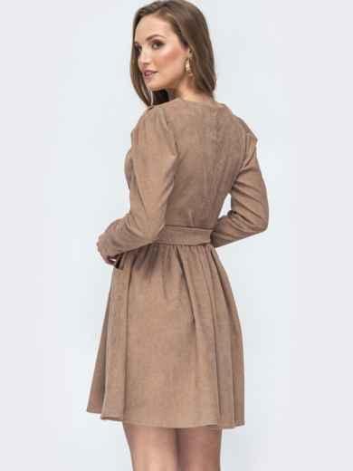 Вельветовое платье с v-вырезом и расклешенной юбкой бежевое 45629, фото 4