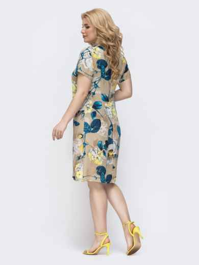 Приталенное платье батал с принтом бежевое 46369, фото 2