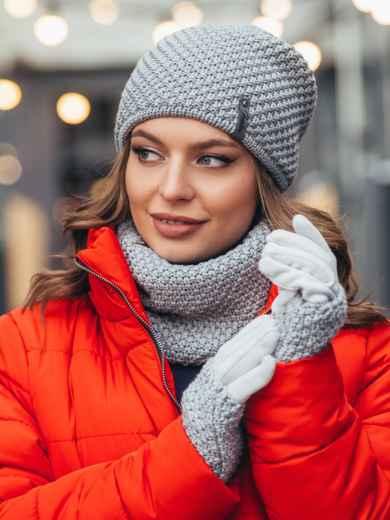 Вязаный комплект-тройка из двухслойной шапки и перчаток серый - 51949, фото 1 – интернет-магазин Dressa