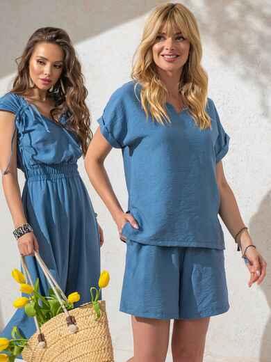 Костюм голубого цвета из свободной блузки и шорт 49136, фото 1