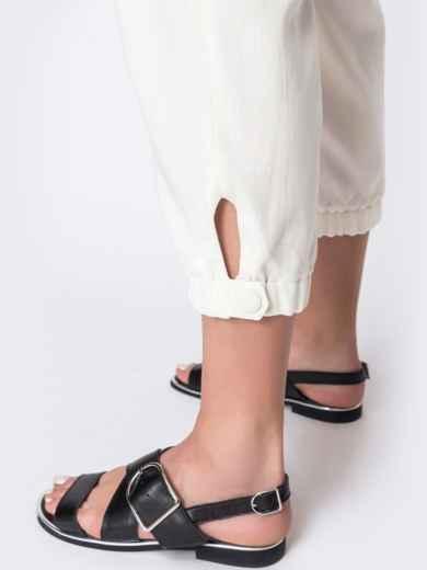Укороченные брюки с завышенной талией молочного цвета  48437, фото 4