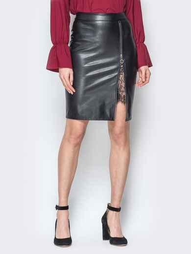 Чёрная юбка-карандаш из эко-кожи с гипюром 19630, фото 1