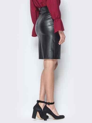 Чёрная юбка-карандаш из эко-кожи с гипюром 19630, фото 3