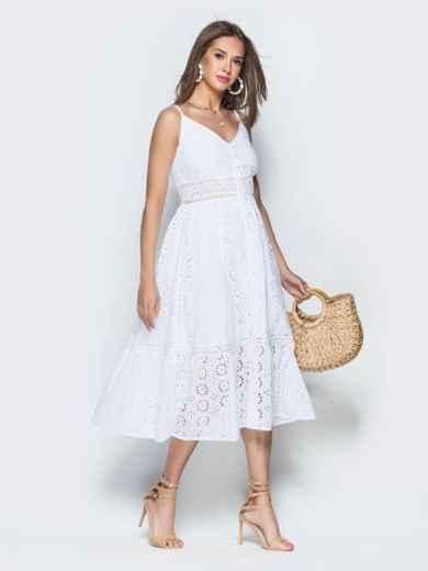 Белое платье из прошвы на бретелях с воланом по низу 38689, фото 3
