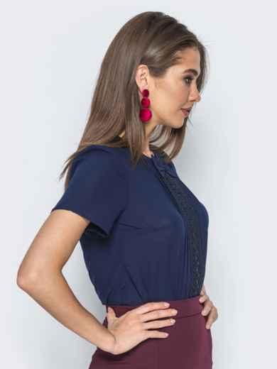 Блузка с кружевом на полочке и бантом тёмно-синяя 14178, фото 2