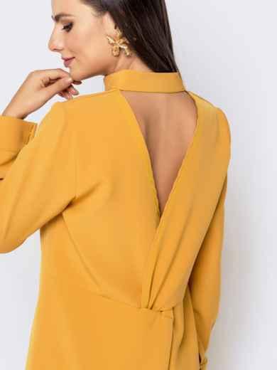 Приталенное платье с удлиненной спинкой желтое 40851, фото 4